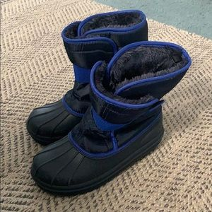 Children's place snow boots